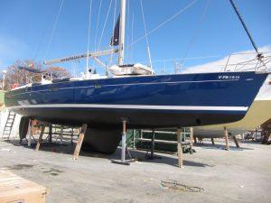 Alquiler barcos en Ibiza: estado del casco tras finalizar las labores de varada