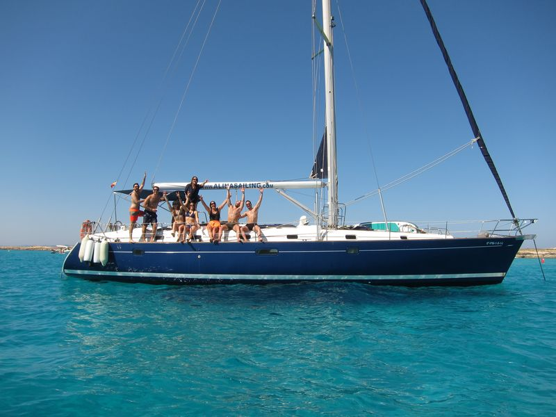 Enjoy your best boat trips in La Manga on board our luxury sailboat Alina