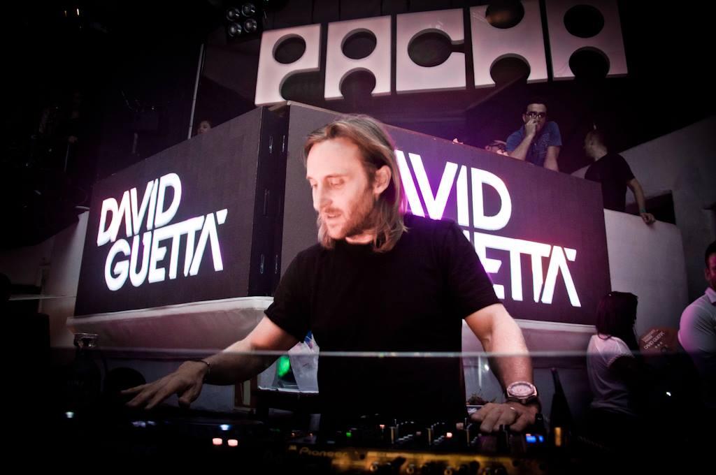David Guetta Pacha Ibiza en una DJ sesión