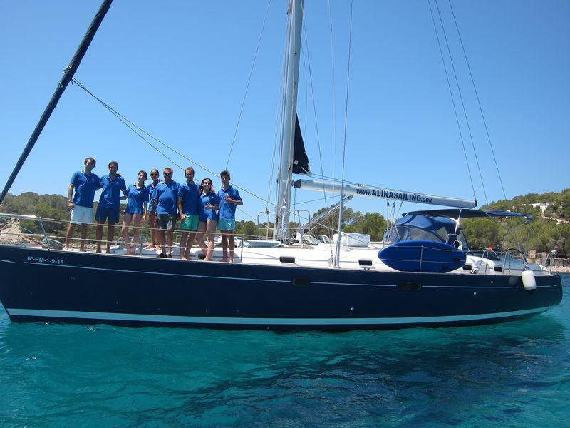 Familia Losada alquiler veleros en Ibiza
