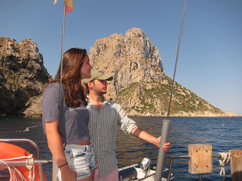 Familia Losada alquiler de barco en Ibiza