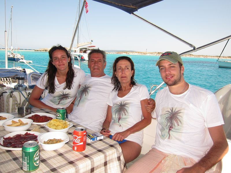 Foto familia Losada charter Ibiza