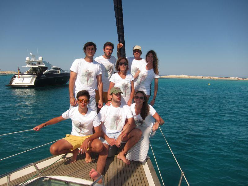 Foto de familia Losada charter in Ibiza