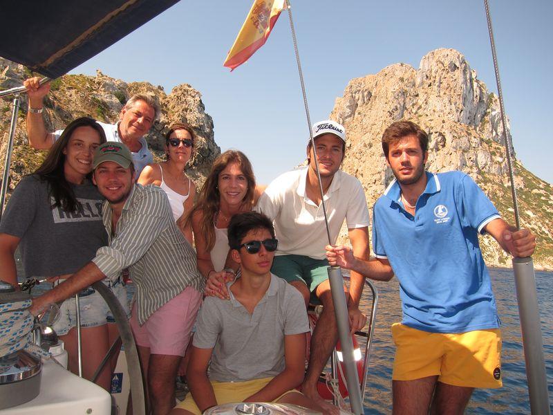 Familia alquiler velero Ibiza
