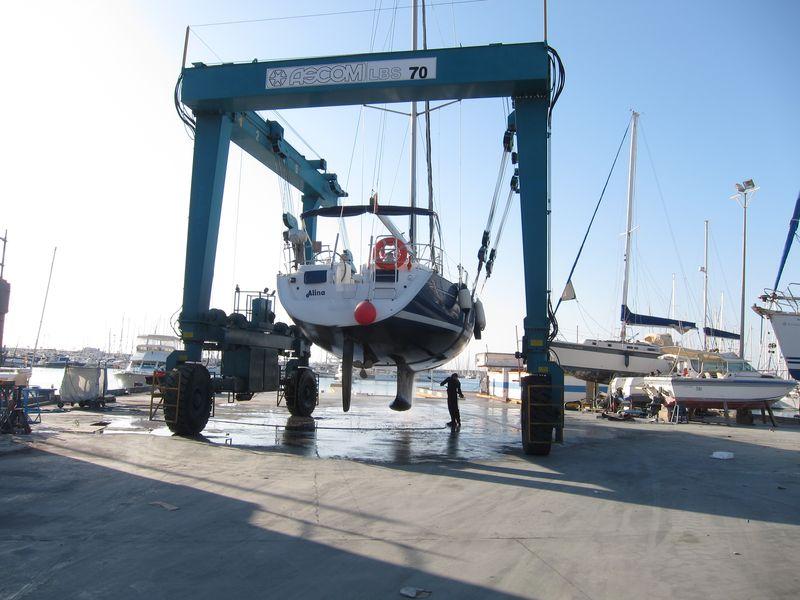 Mantenimiento alquiler de veleros en Ibiza
