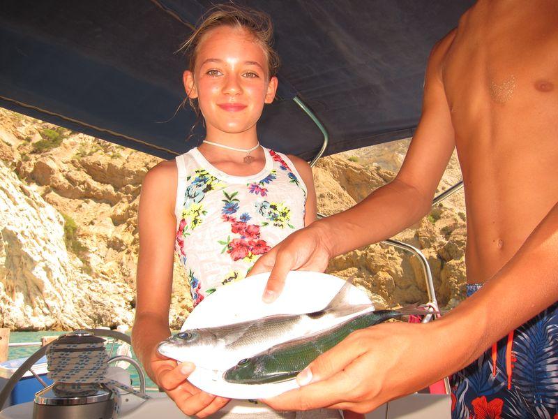 En la imagen puede verse a Martina y pescado