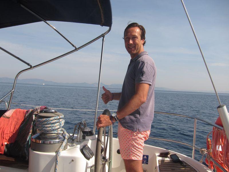 Grupo sevillanos alquiler velero con patrón Ibiza