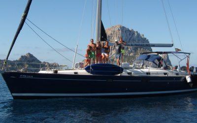 Alquiler de velero con patrón en Ibiza