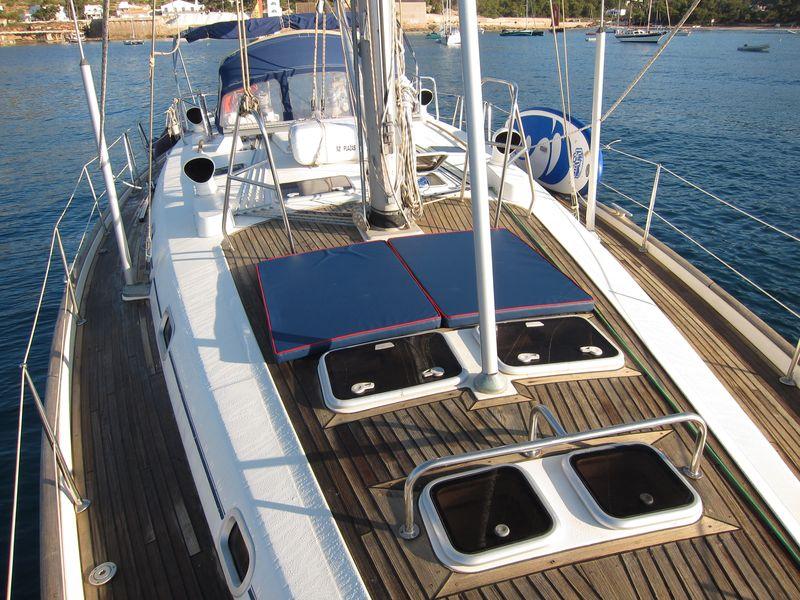 Nuestros clientes de Ibiza boat trips 2018 disfrutarán de las nuevas colchonetas en polipiel azul que hemos adquirido